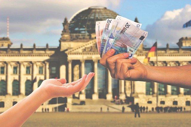 Pomoc natychmiastowa dla małych firm, samozatrudnionych i osób wykonujących wolne zawody w Niemczech